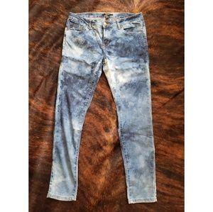 Forever 21 skinny jeans acid washed faded